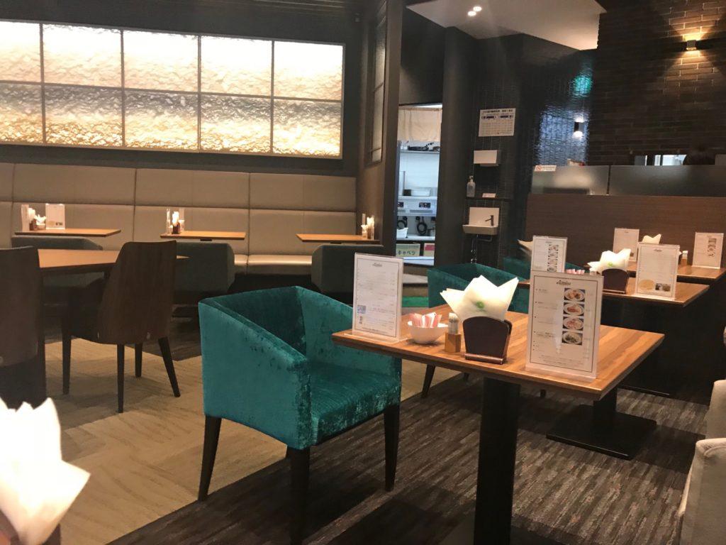 鳥取空港のレストラン アゼリアの内部