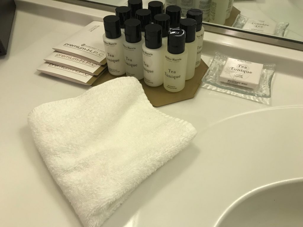 琵琶湖ホテルアクアの客室にあるアメニティ
