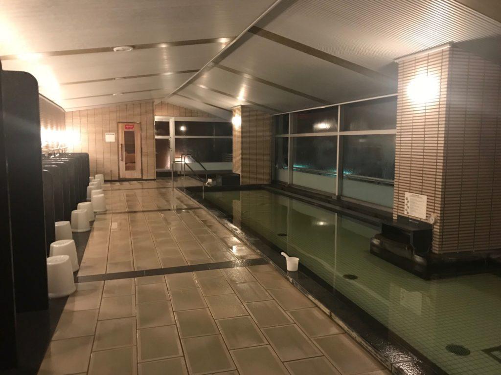 琵琶湖ホテルの「瑠璃温泉 るりの湯」の大浴場