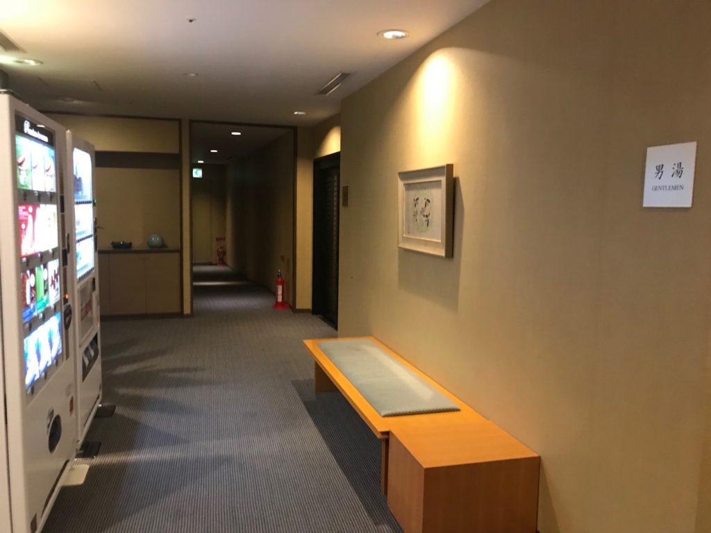琵琶湖ホテルの「瑠璃温泉 るりの湯」の大浴場の入り口