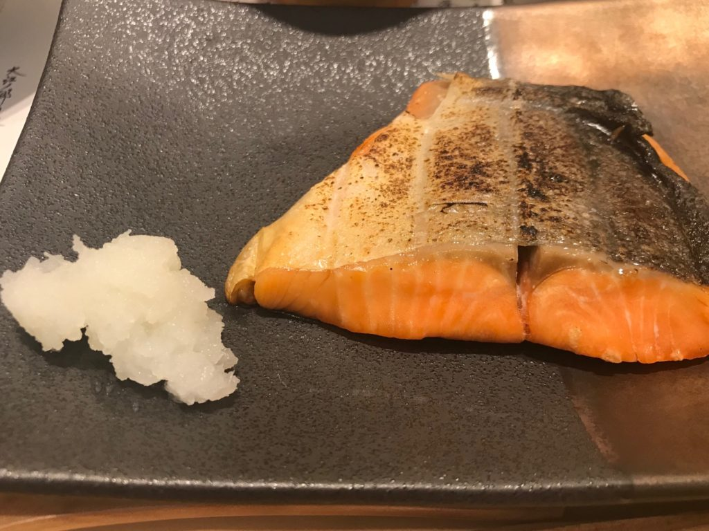 「卵かけご飯(境港産 焼き鮭)定食」の焼き鮭