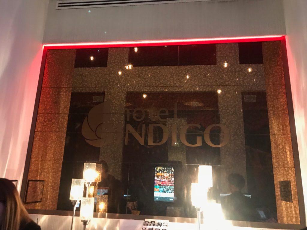 hotel Indigo Brooklynのフロント