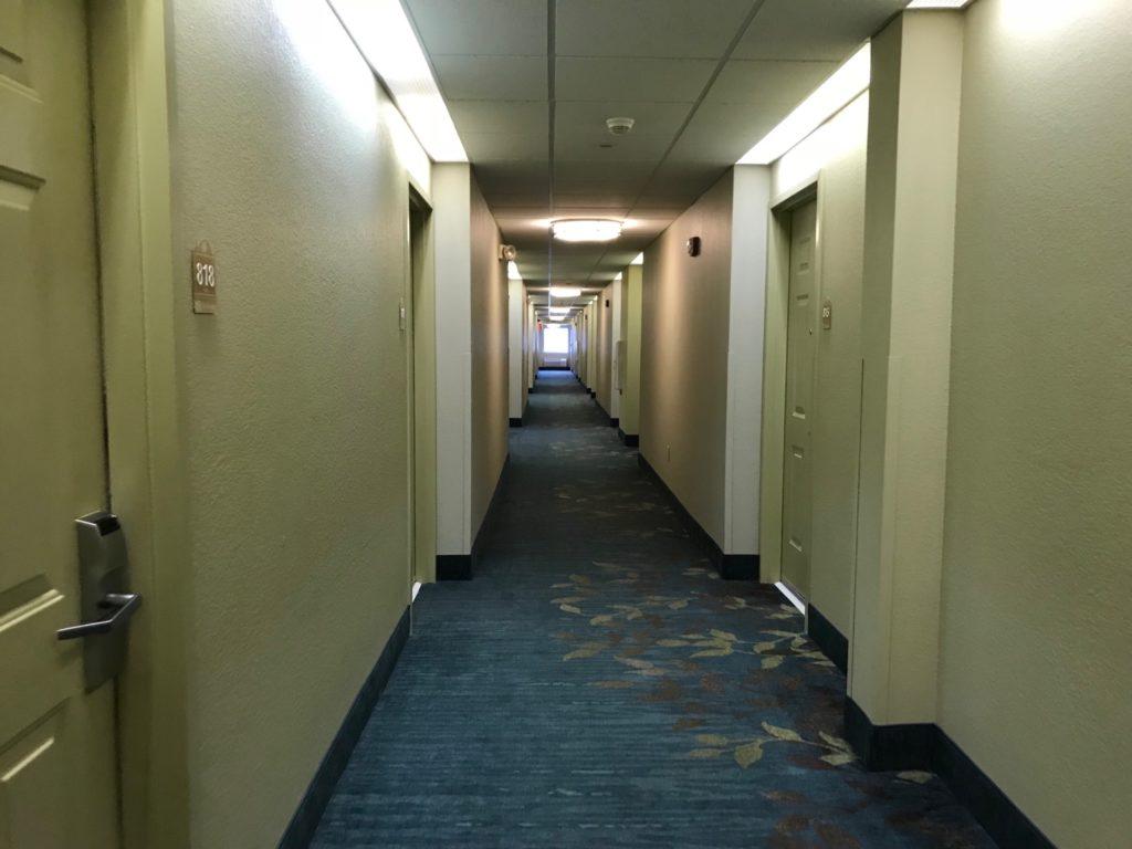 Candlewood Suites Jersey City -Harborsideの客室フロア通路