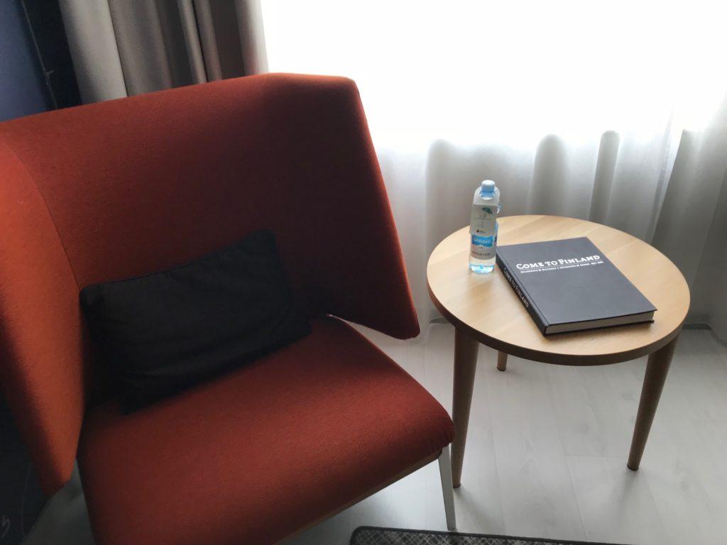 Hotel Indigo Helsinki - Boulevardの客室(スタンダードルーム)の椅子