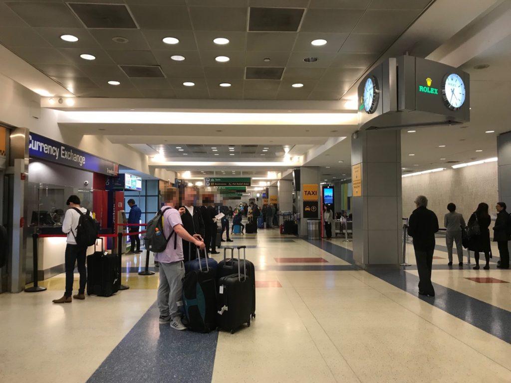 ジョンFケネディ国際空港に到着した写真