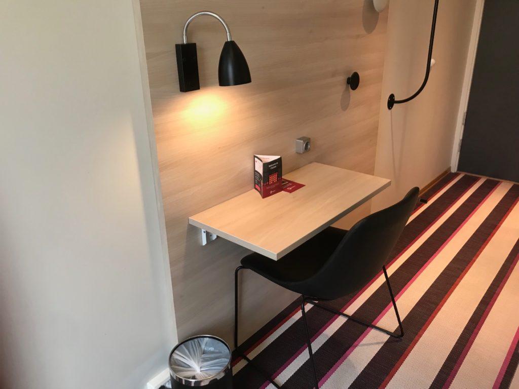 シティボックス オスロの客室のデスクスペース