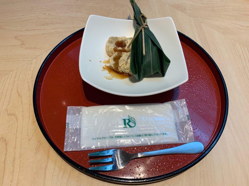 リッチモンドホテルプレミア京都駅前のアフタヌーンティーで提供されるわらび餅