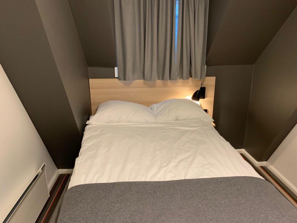 シティボックスベルゲンの客室のシングルベッド
