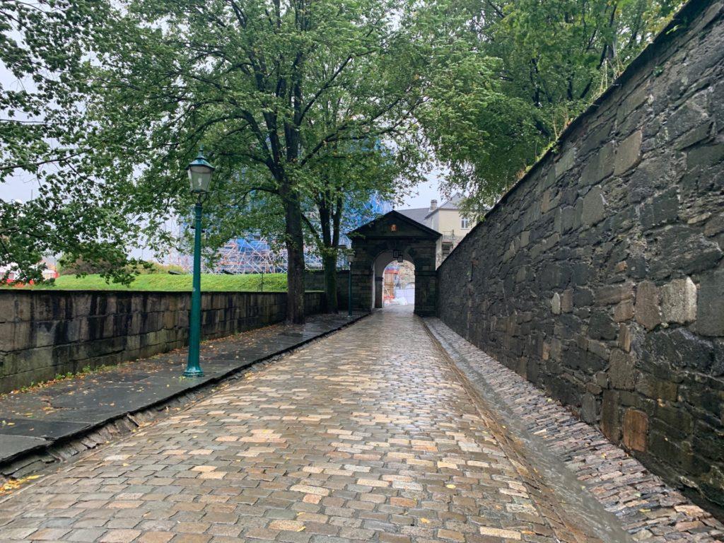 ベルゲン要塞へ向かう風景