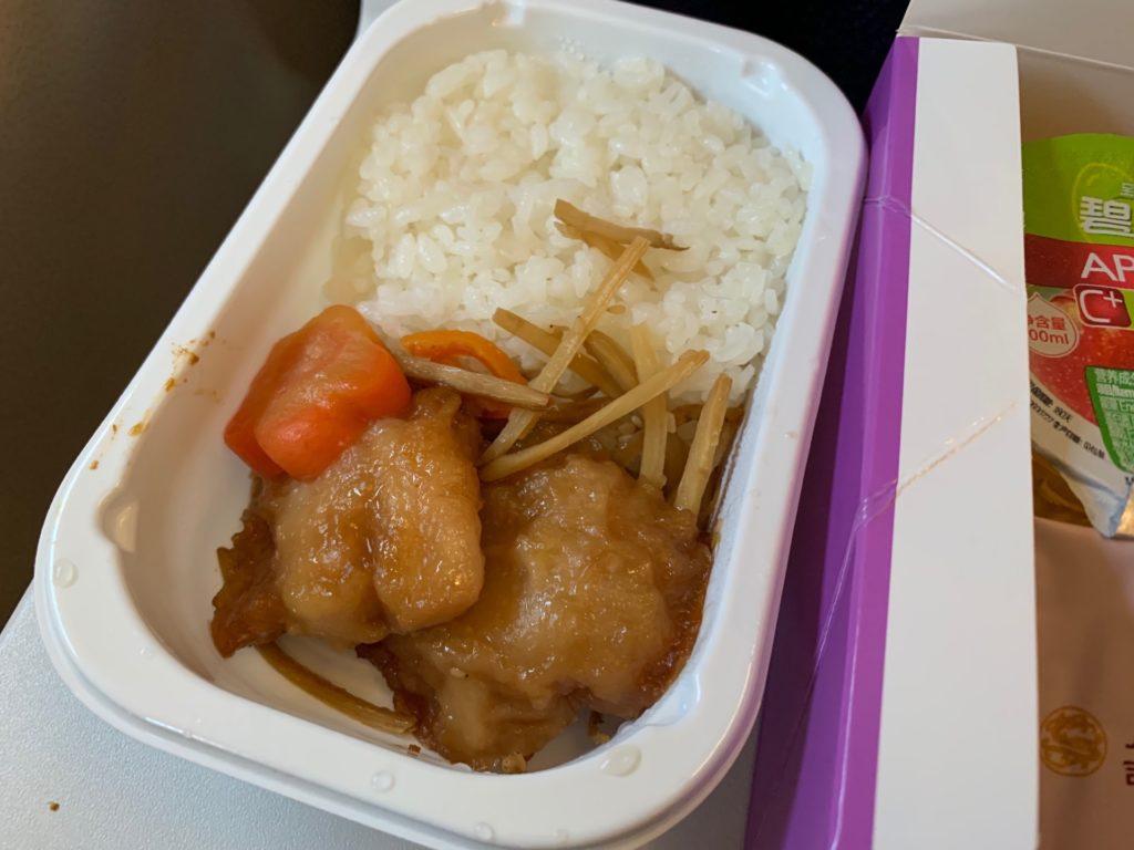 吉祥航空エコノミークラスの機内食