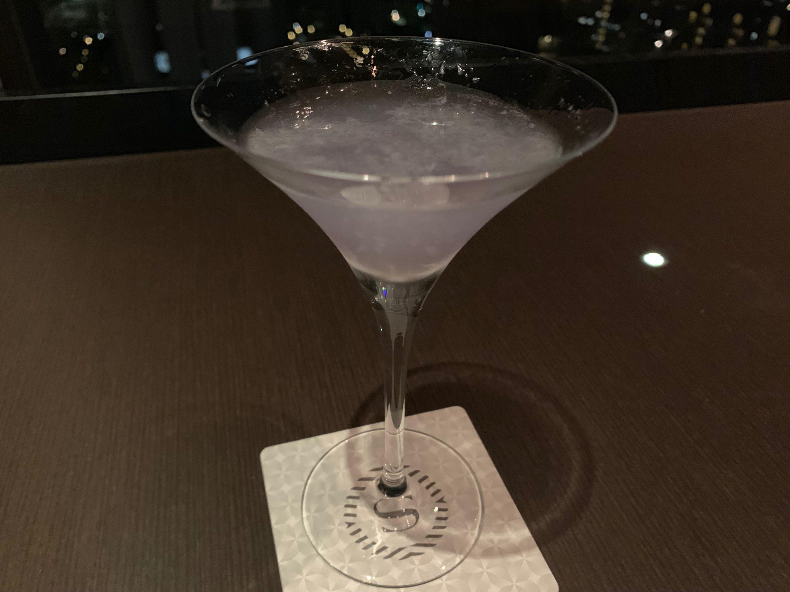 神戸ベイシャラトンホテル&タワーズの夜景が見えるバー「sky21」のブルームーン