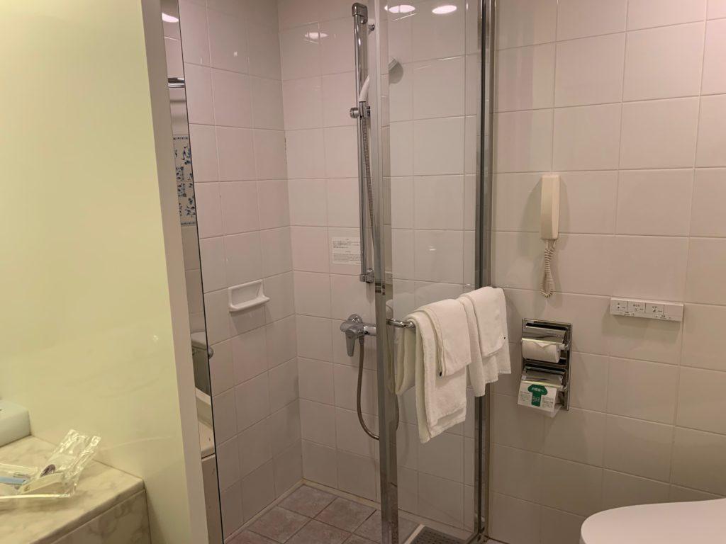 ホテルプラザ神戸の客室(ツインルーム)のシャワールーム