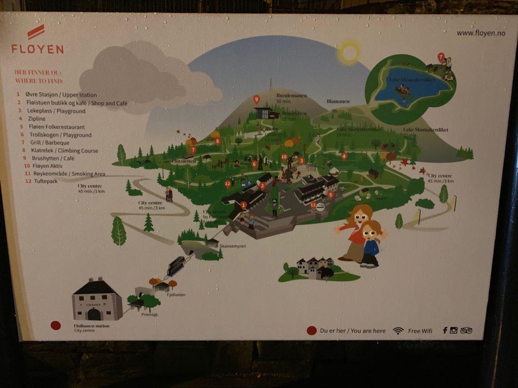 フロイエン山頂へのケーブルカー麓駅にあるマップ