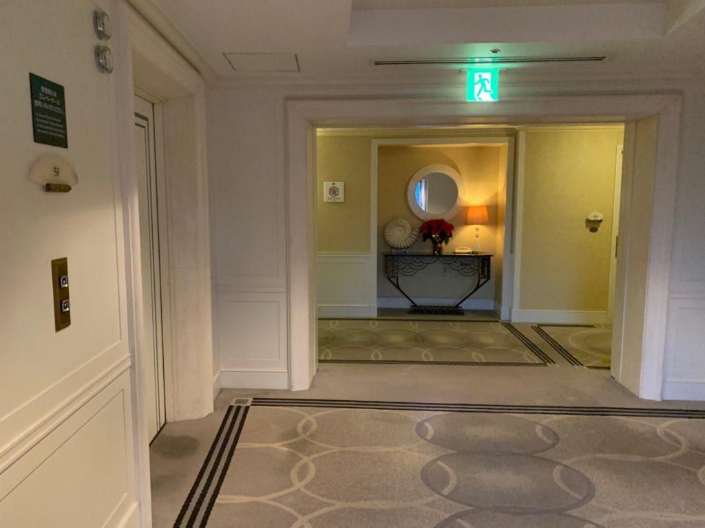 ヒルトン東京お台場の宿泊フロアのエレベーターホール