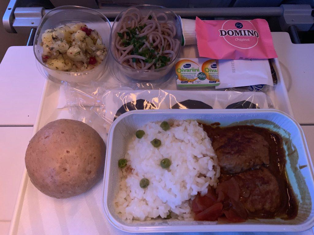 フィンエアー(AY803)の機内食(昼食)