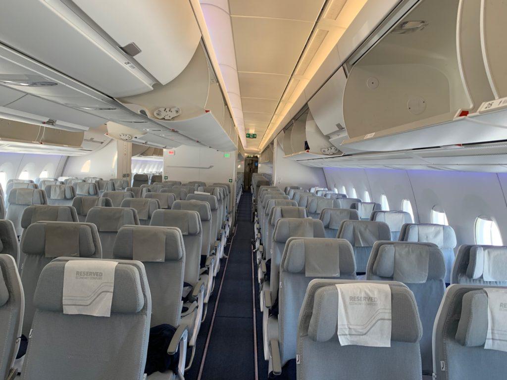 フィンエアー(AY803)の機内の様子