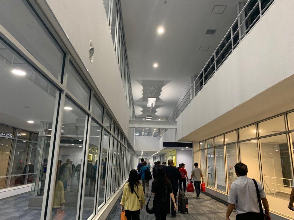 ヴィエンチャン(ワットタイ)国際空港の空港内の様子