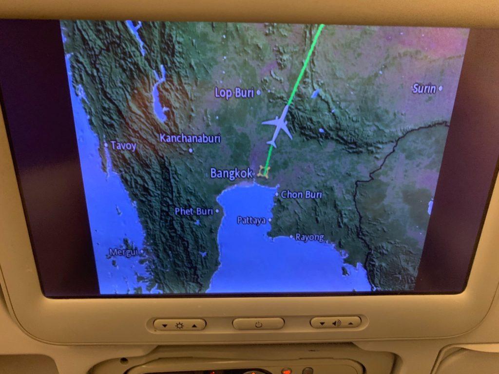 タイ国際航空「スワンナプーム→ヴィエンチャン」(TG574)のエコノミークラスのパーソナルモニターにのっているフライト図