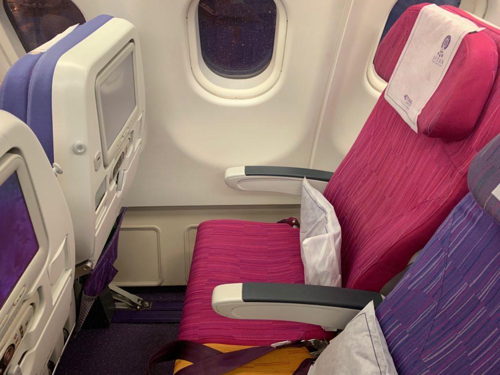 タイ国際航空「スワンナプーム→ヴィエンチャン」(TG574)のエコノミークラス