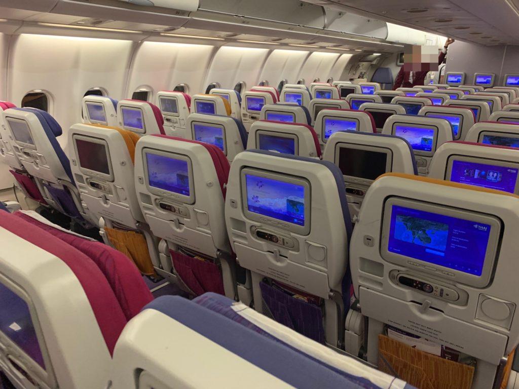 タイ国際航空「スワンナプーム→ヴィエンチャン」(TG574)の機内の様子
