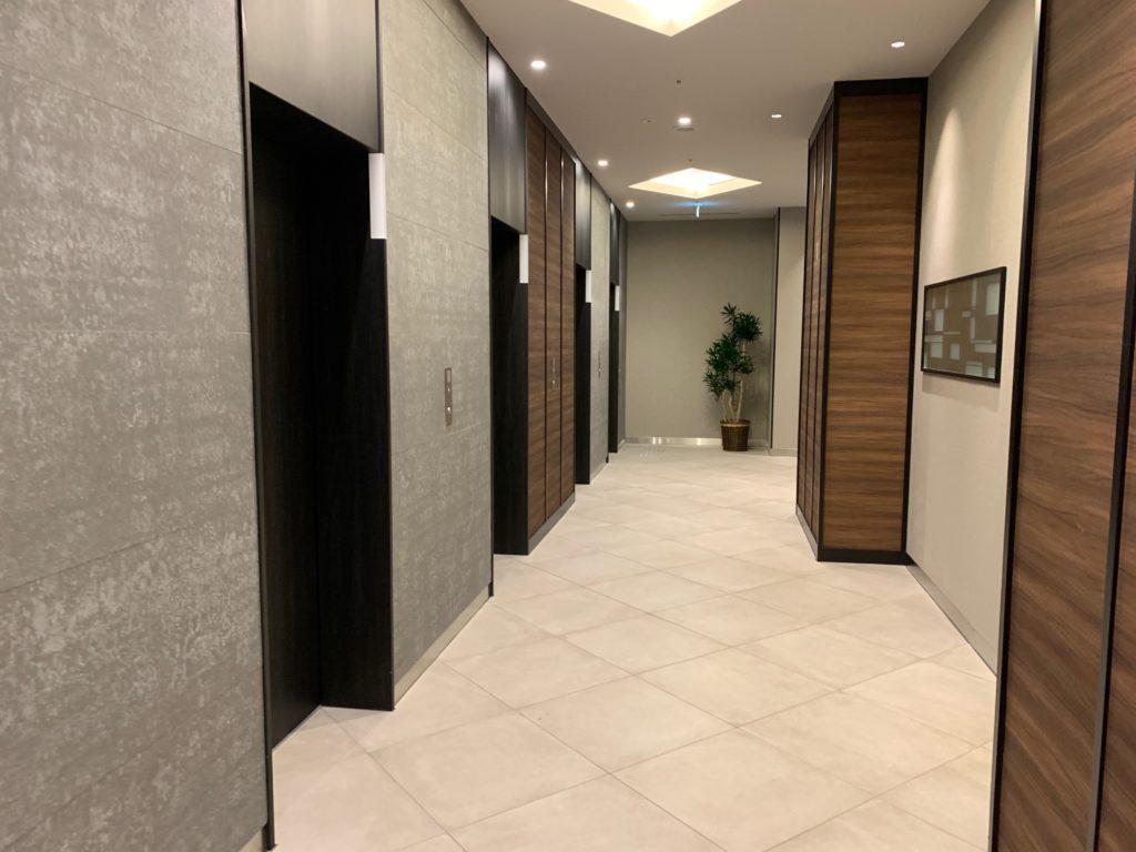 『天然温泉 扇浜の湯 ドーミーイン川崎』のエレベーターホール
