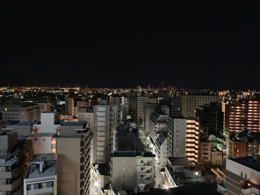 『天然温泉 扇浜の湯 ドーミーイン川崎』の湯あがり処の展望テラスからの眺め