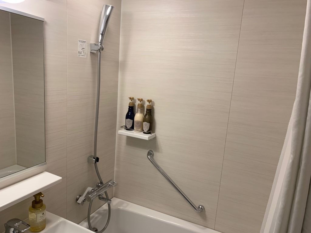 ベッセルイン千葉駅前の客室のシングルルームのバスルーム