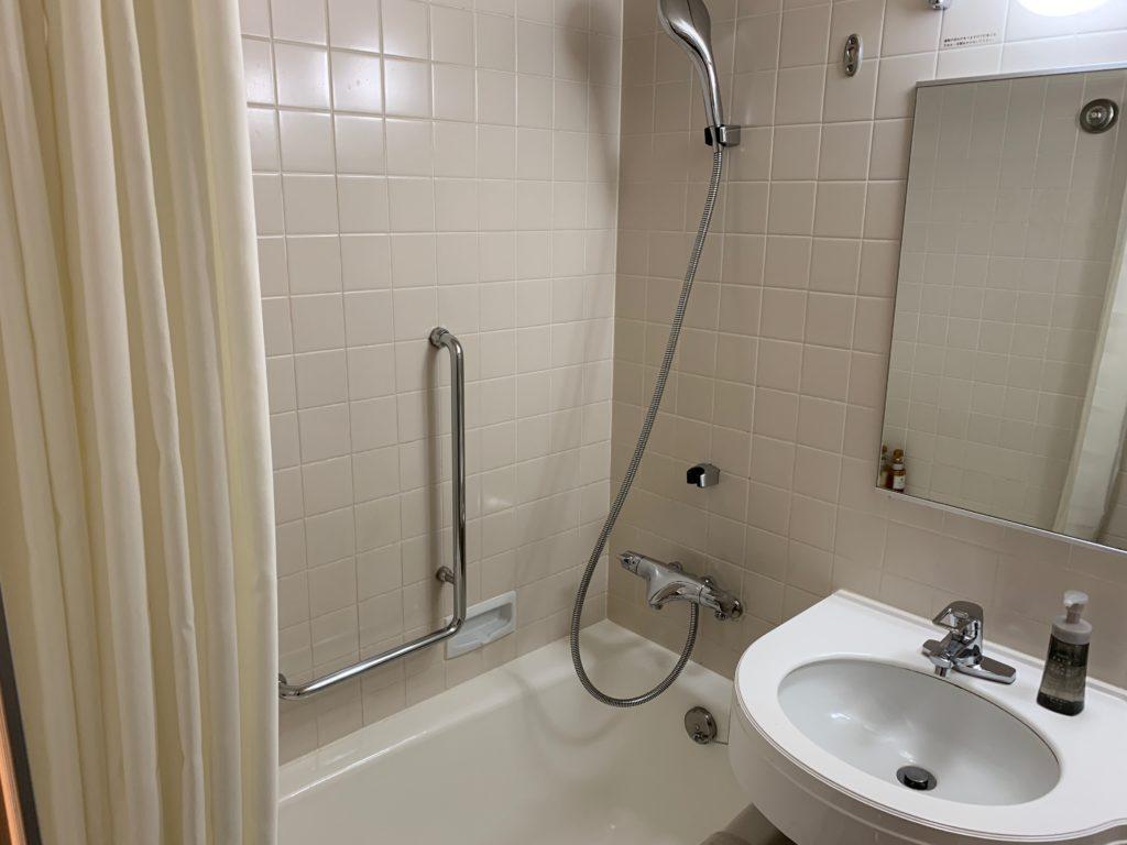 ホテル日航立川の客室のバスルーム