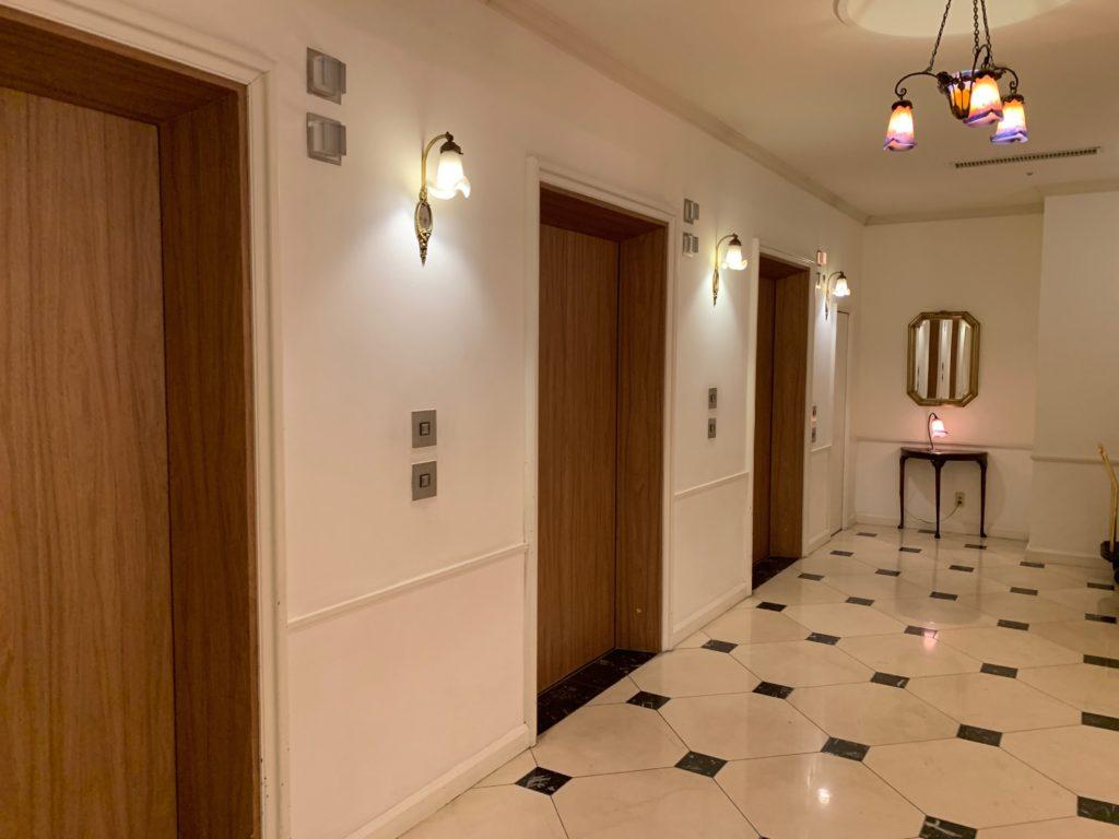 ホテルフランクスのエレベーターホール