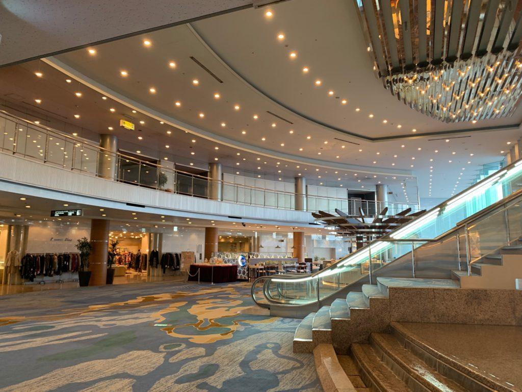 びわ湖大津プリンスホテルのロビー