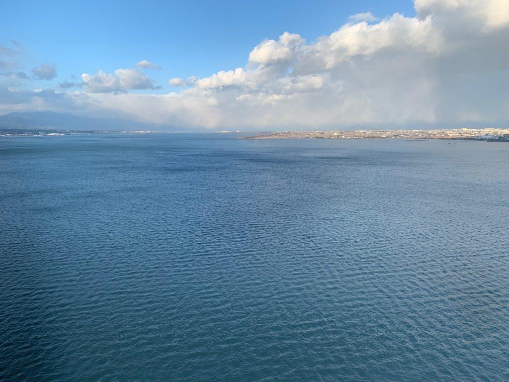 びわ湖大津プリンスホテルのスカイフロアツインルームから見た琵琶湖の眺望