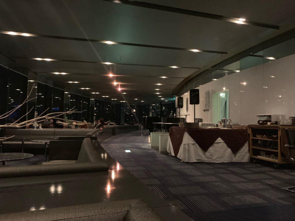 びわ湖大津プリンスホテルのスカイラウンジ トップオブオオツの館内