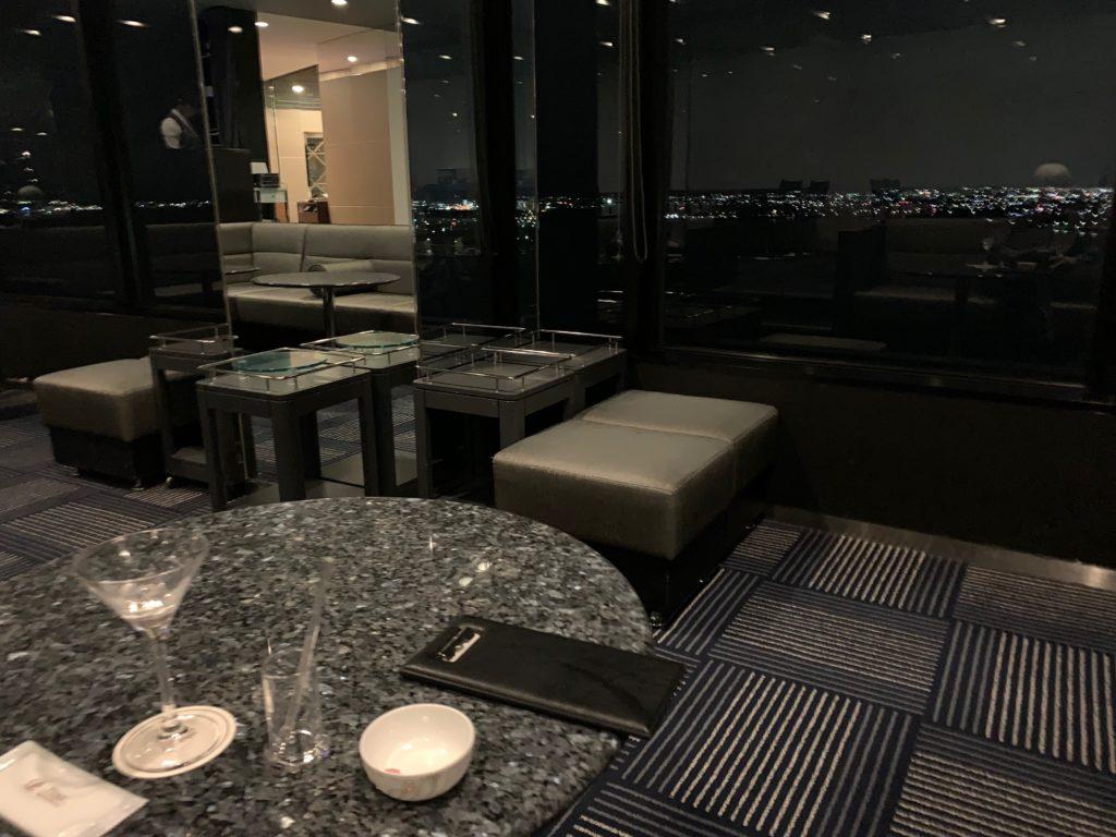 びわ湖大津プリンスホテルのスカイラウンジ トップオブオオツのカクテル