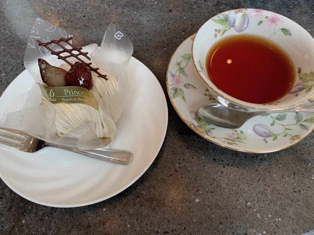 びわ湖大津プリンスホテルの「ロビーラウンジ ポート ニオ」のモンブランと紅茶セット