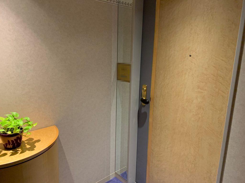 ホテルニューオータニ幕張の客室入口