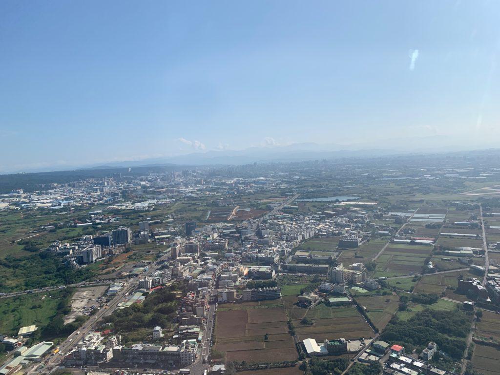 タイ国際航空(BOEING777-300型)のビジネスクラスからみた台湾の景色