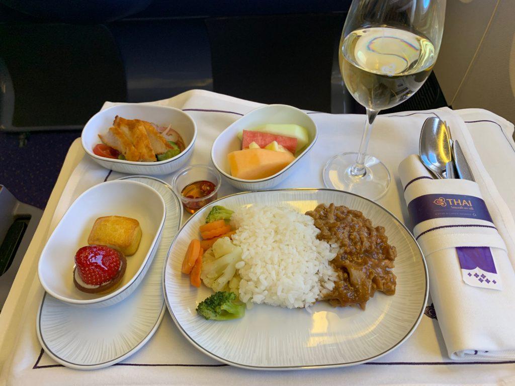 タイ国際航空(BOEING777-300型)のビジネスクラスの機内食