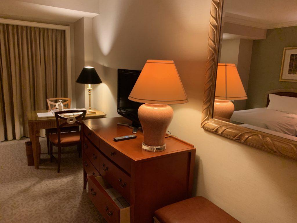横浜ロイヤルパークホテルのデラックスツインルームの照明