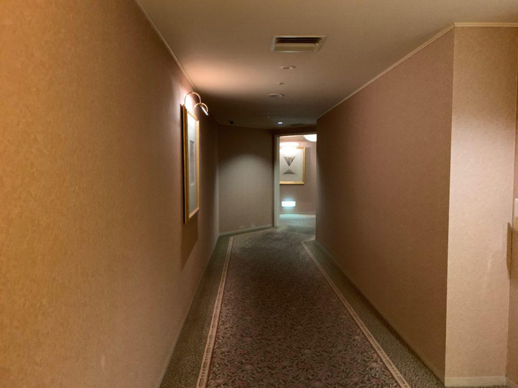 横浜ロイヤルパークホテルの宿泊フロアの通路