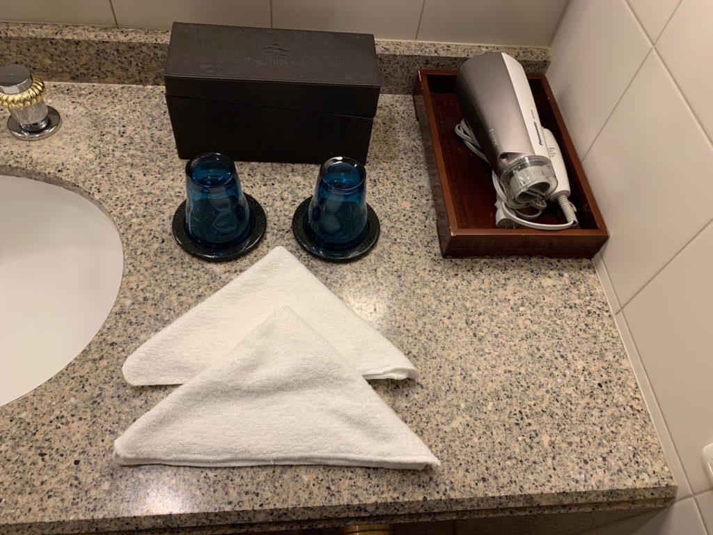 横浜ロイヤルパークホテルの55階のデラックスツインルームのアメニティ