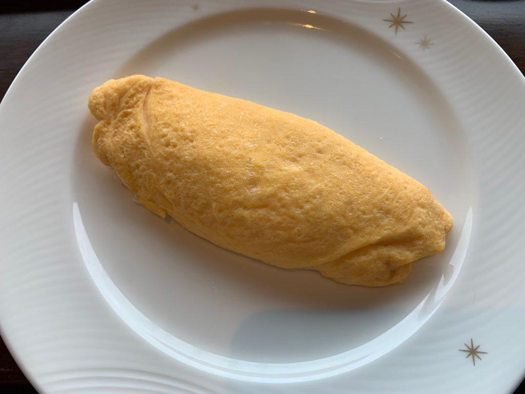 横浜ロイヤルパークホテルの70階スカイラウンジ・シリウスの洋朝食で提供されるオムライス