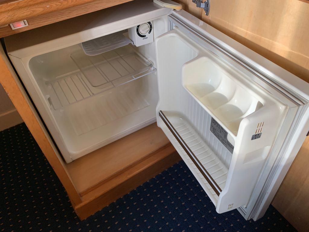 ホテルニューオータニ鳥取のツインルームの冷蔵庫