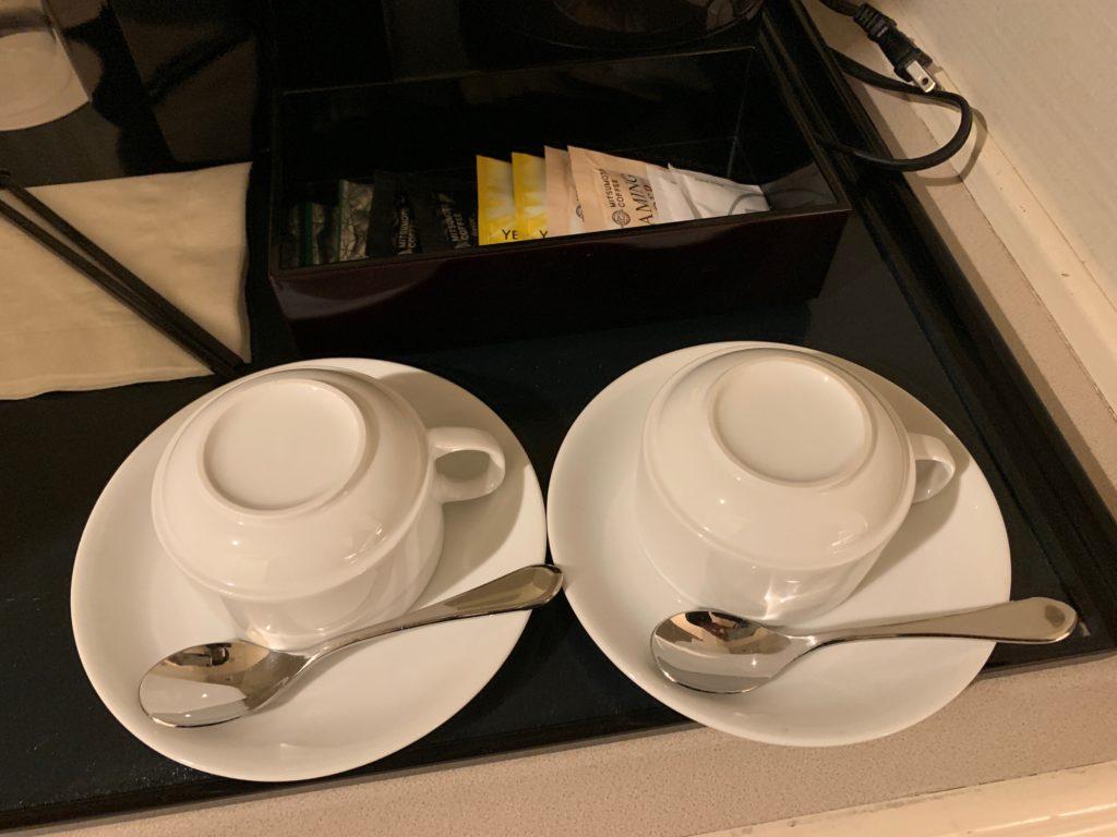 ヨコハマ グランド インターコンチネンタル ホテルのデラックスツインルームのティーセット