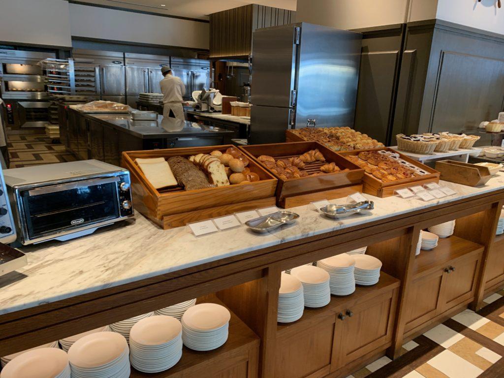 ヨコハマ グランド インターコンチネンタル ホテルの朝食レストラン「オーシャンテラス」のパン