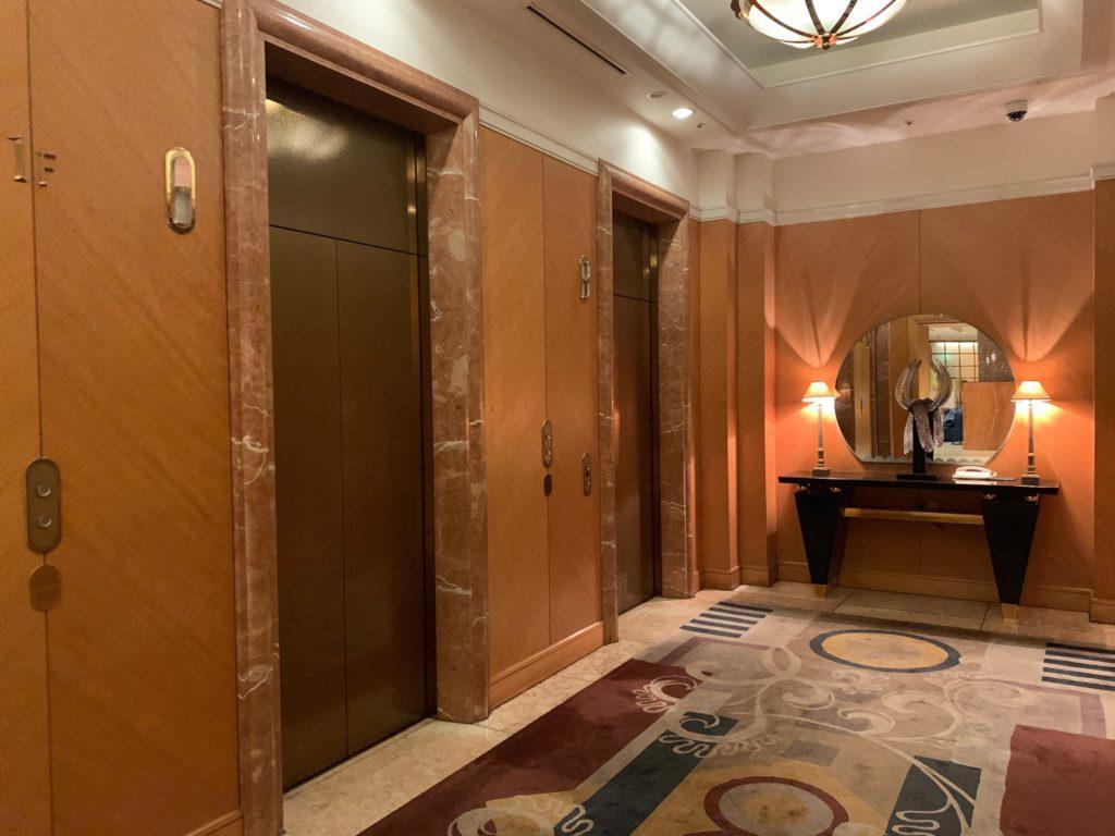 横浜ベイシェラトンホテル&タワーズのエレベーターホール