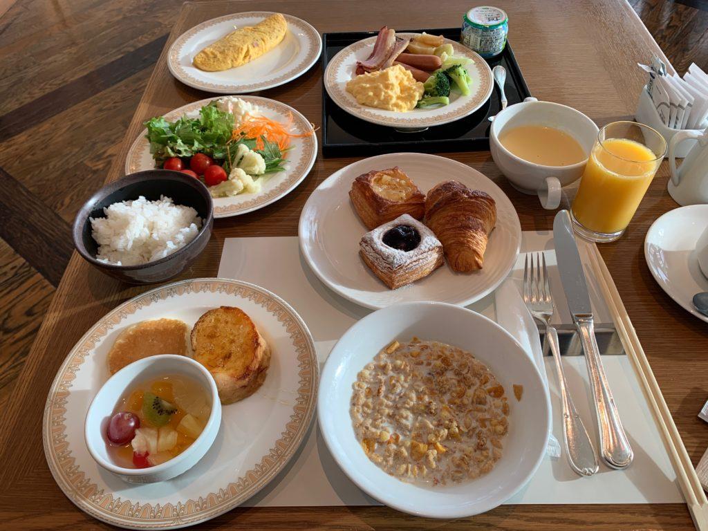 ヨコハマ グランド インターコンチネンタル ホテルの朝食レストラン「オーシャンテラス」の朝食ビュッフェ