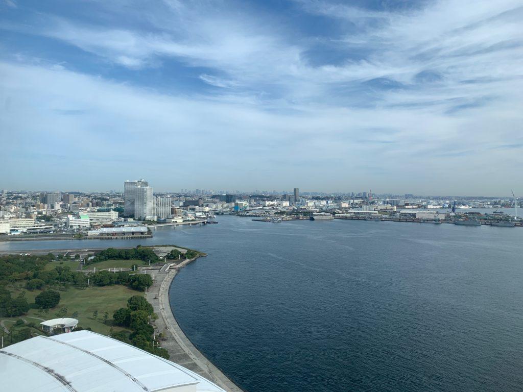 ヨコハマ グランド インターコンチネンタル ホテルのデラックスツインルームから見た眺望(海側)