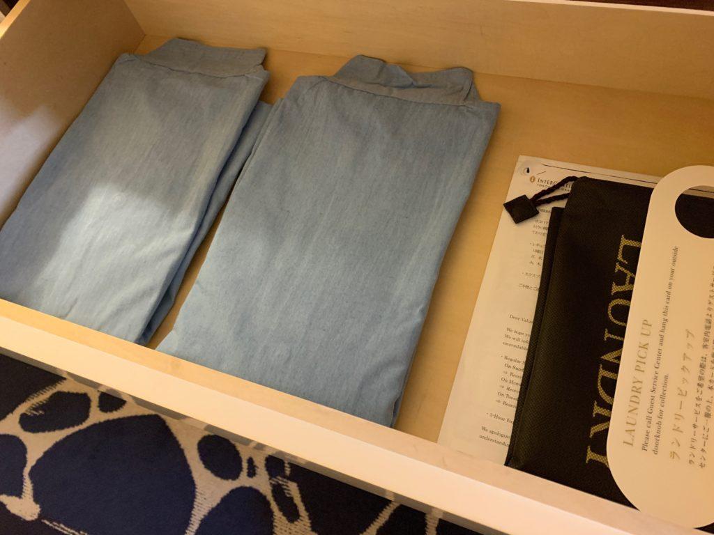 ヨコハマ グランド インターコンチネンタル ホテルのデラックスツインルームのルームウェア