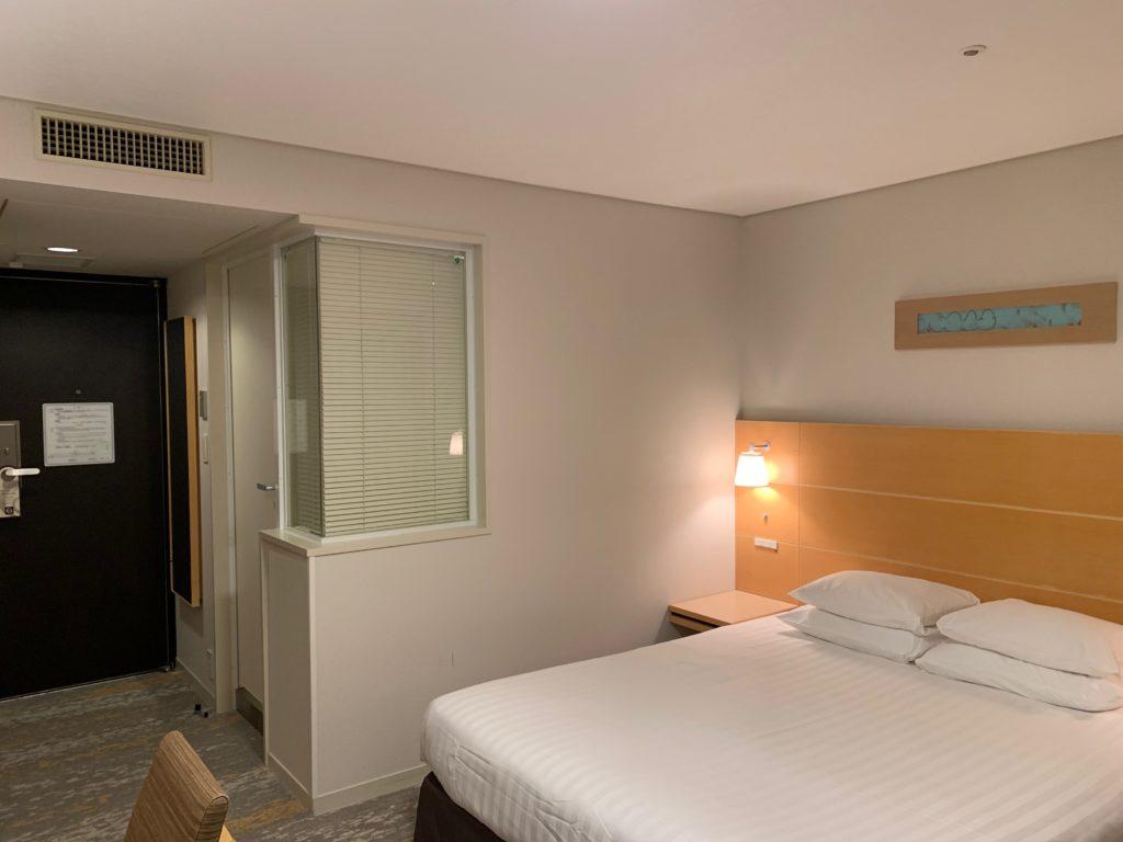 赤坂エクセルホテル東急のスーペリアダブル客室内の様子
