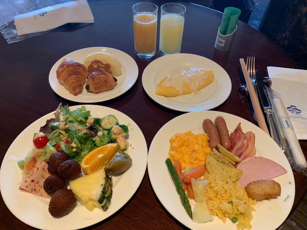 横浜ロイヤルパークホテル70階スカイラウンジ・シリウスでの朝食